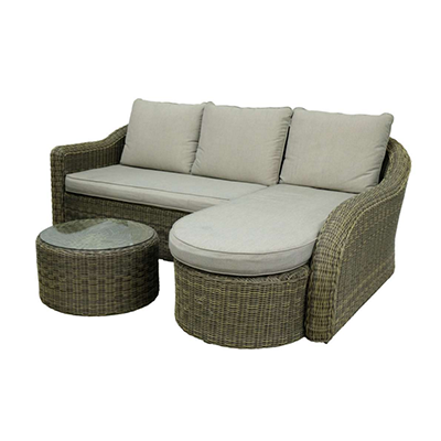 Vantage Pools and Spas has a variety of patio furniture in our Langley showroom. From petite dining sets to large and luxurious couches and tables, we have a variety of sets from My Patio