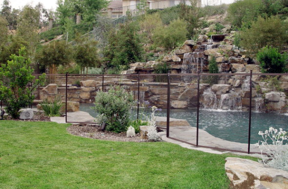 Guardian Safety Pool Fence from Vantage Pools - Serving Langley, Surrey & Maple Ridge